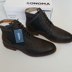 NWT Men's Boots